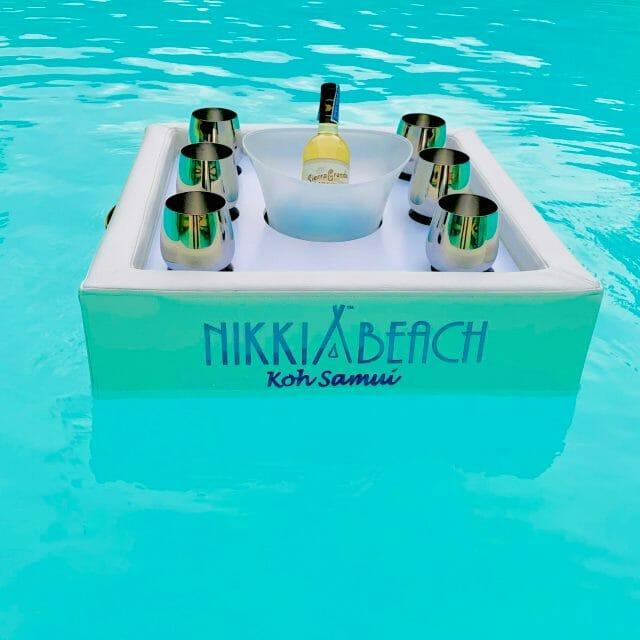 Bar Flottant Nikki Beach