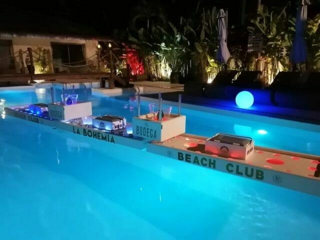 Bar flottant avec Ma vie a Samui