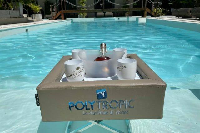N'joy pool Bar